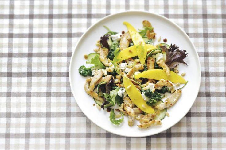 Kipsalade met mango en geitenkaas - Recept - Allerhande