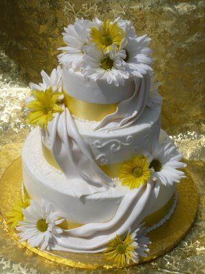 Leslie's Cake Blog from Stan's Northfield Bakery: Summer Yellow Wedding Cakes