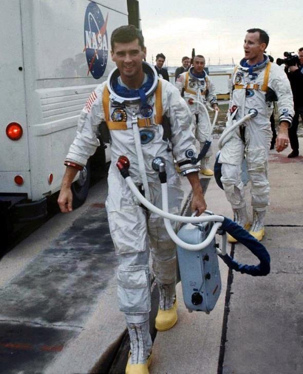 astronaut ed white apollo mission - photo #13