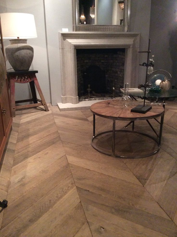 Come and see our selection of old and new wooden floors.