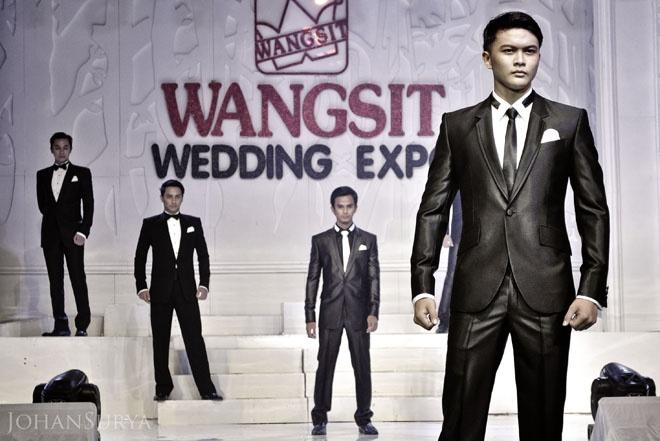 koleksi jas pengantin pria - http://johansurya.com/wangsit-wedding-expo-2012/jas-pengantin-pria #tailor #photo #wedding #him #semarang