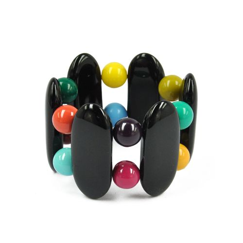Des perles et des boutons colorés, que l'on mélange pour obtenir de jolies broches, un sautoir et des bracelets graphiques. A vous de jouer !!! #bijoux #ladroguerie