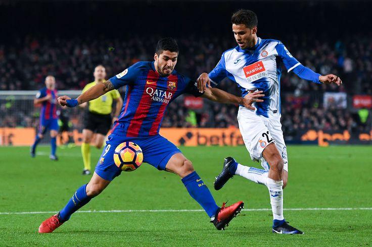FCB - RCD Espanyol De Barcelona Action de l'attaquant Barcelonais Suarez #Defenseur #RCD #Liga #Joma @Espanyol