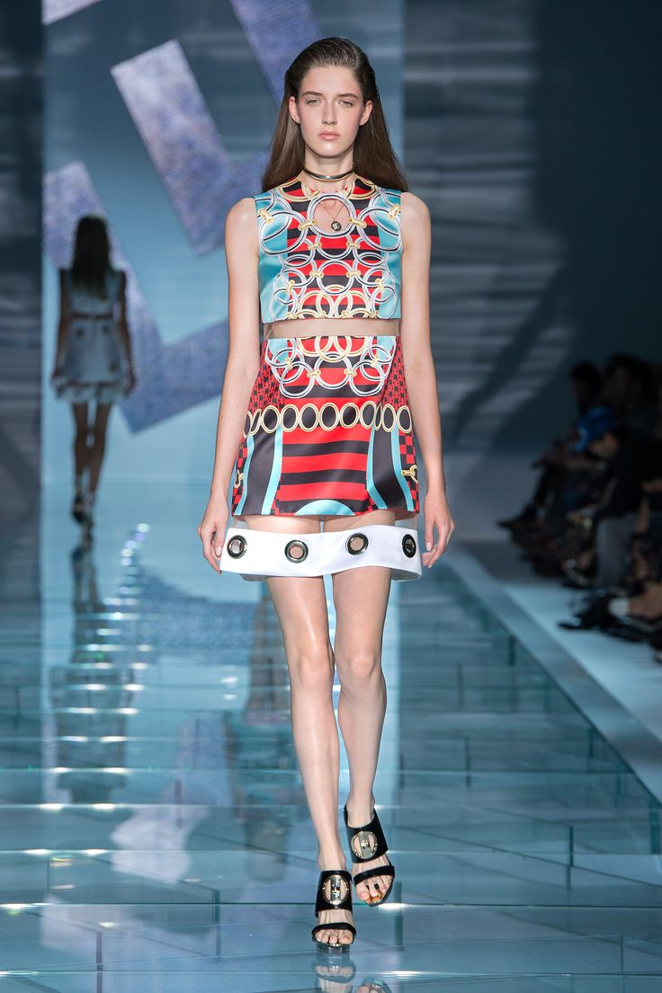Summer Fashion Show In Year 2015 Versace Women Spring Summer