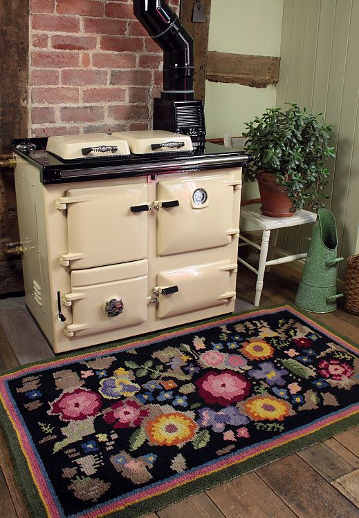 Vintage Home - Fabulous 1930s Handmade Floral Rug.