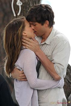 "Natalie Portman & Ashton Kutcher en ""No Strings Attached"" / ""Sin compromiso"""
