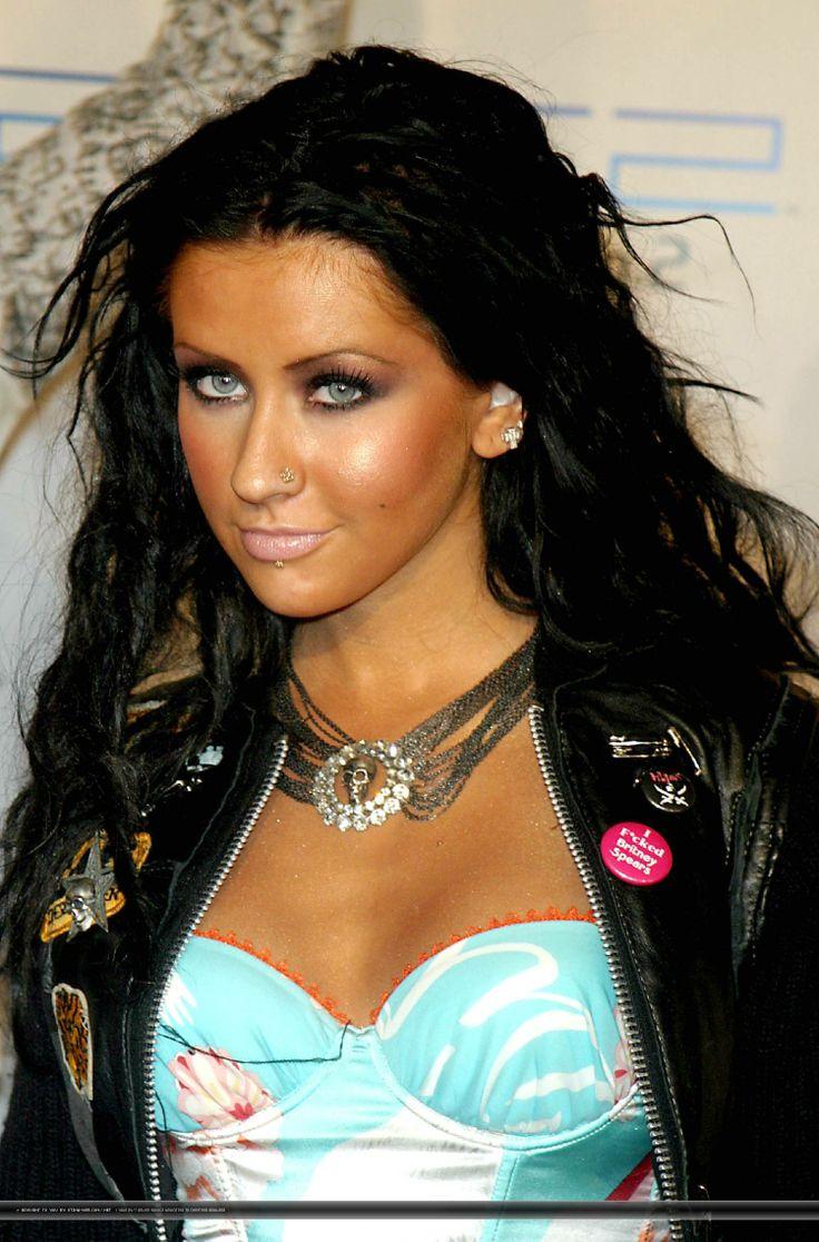 christina aguilerawhen she had black hair christina