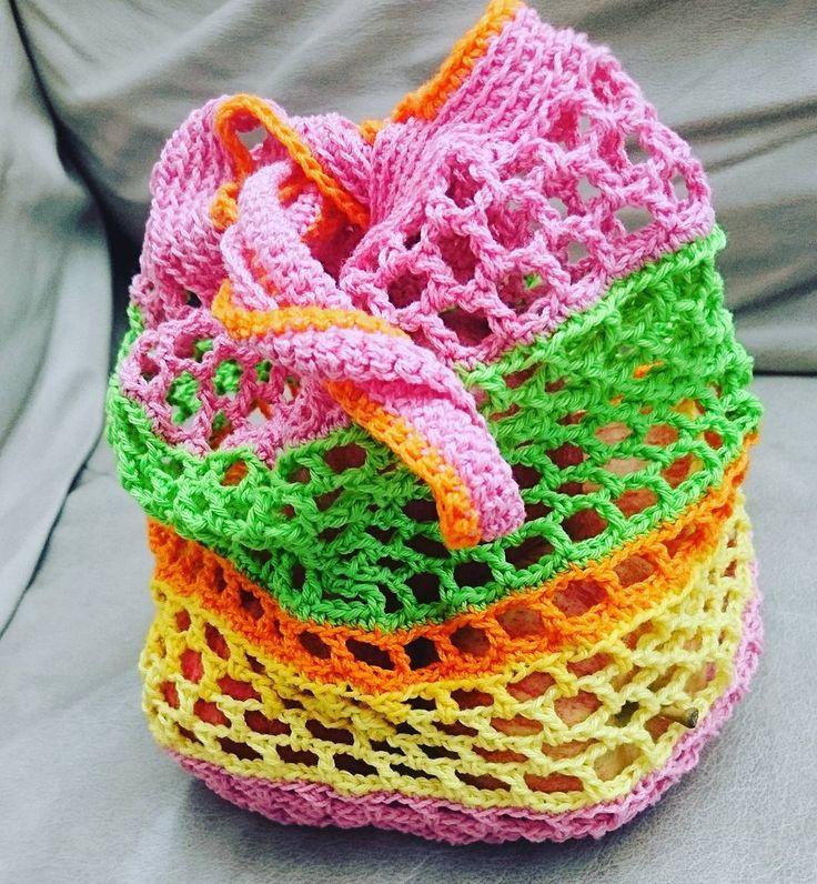 Färdig  Virkad fruktpåse   #crochet #virkat #crochetaddict #onebaghabit #plastbanta #lindaosso #virkadpåse #virkadkasse #fruktkasse  #fruktpåse #färgbomb #färgkaramell