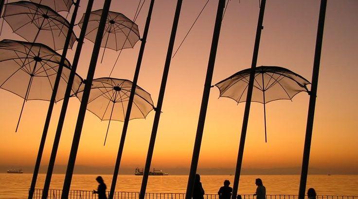 Οι «Ομπρέλες» του Ζογγολόπουλου συγκινούν το κοινό της Θεσσαλονίκης