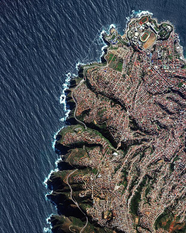 Valparaíso, la capital de Chile, está construida sobre decenas de laderas empinadas con vistas al Océano Pacífico.