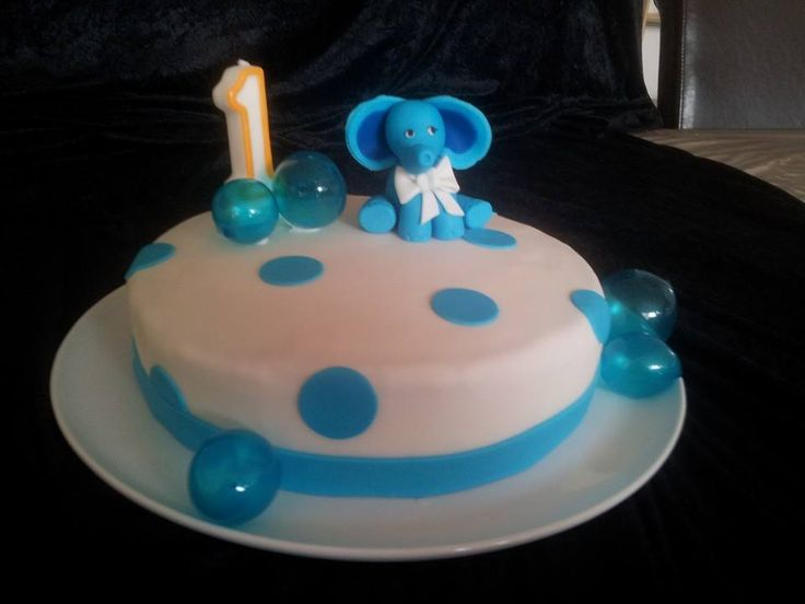 Elephant cake for Olivers 1st birthday