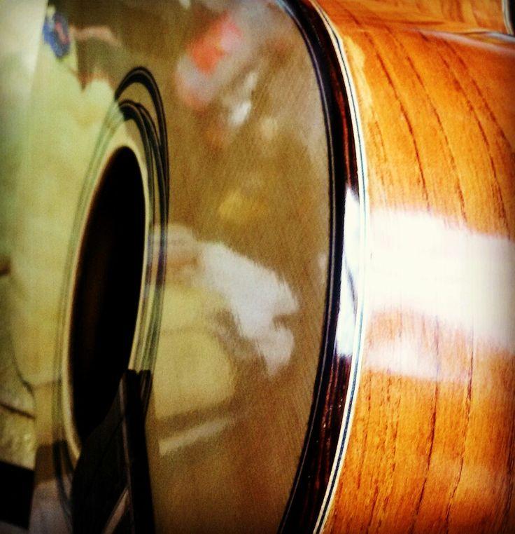 Almond acoustic guitar www.amerigogozzi.com