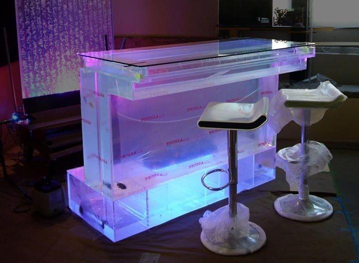 Bar aquarium 16 for Aquarium cocktail table