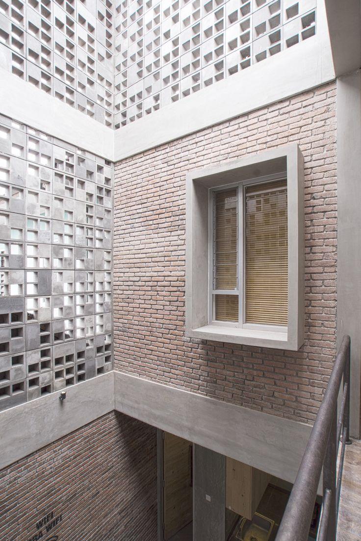 Hostal Bioclimático y biofílico / Andyrahman Architect