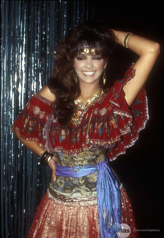 Adela Noriega, otra de las consentidas de las telenovelas con exitos como Dulce Desafio y Quinceañera de joven y El Privilegio de Amor y Amor Real alguno de sus exitos recientes.