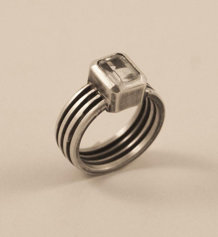 Aquamarine & silver classic ring :: Caro Fischer :: Joyería Contempránea de Autor :: Contemporary Handcrafted Jewelry
