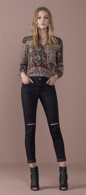 blusa estampado etnico calca jeans skinny rasgado open boot