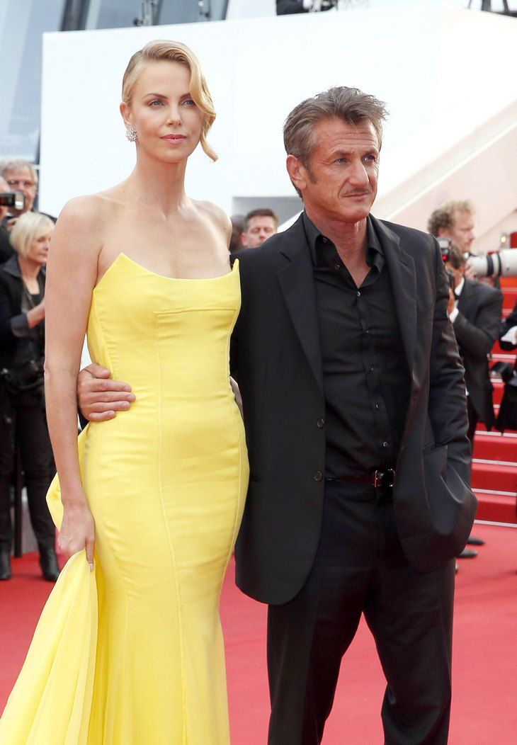 """Sean Penn And Charlize Theron Break-Up: Wedding Cancelled, Sean Was """"Too Controlling"""""""