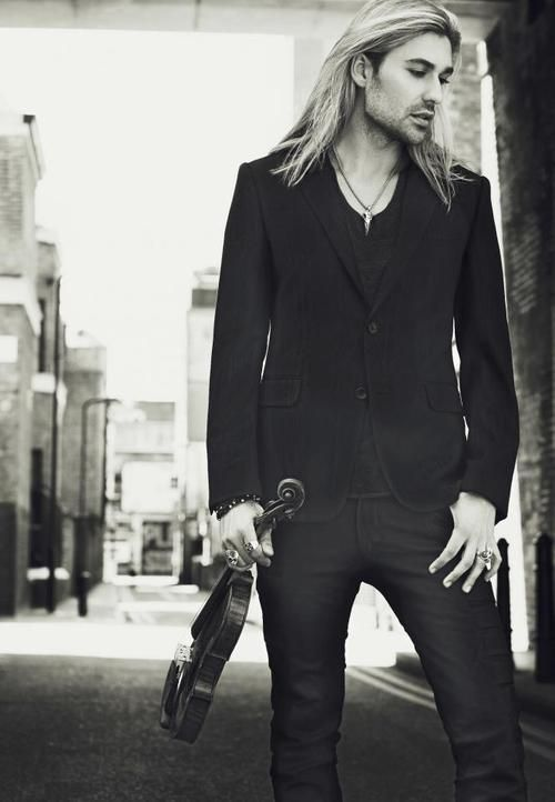 david garrett....unbelieveable violinist.....bb and what a hunk!  lol