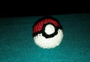 Pokemon-pokeball-crochet