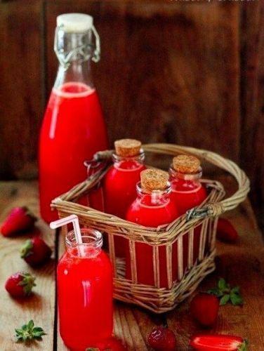 <em>Простой и вкусный мятный лимонад - идеальный для жаркой погоды.</em>