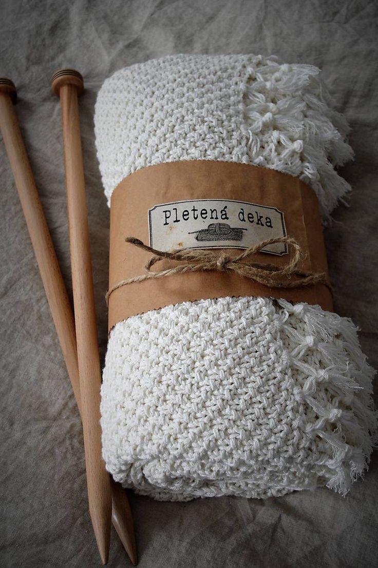 Úžitkový textil - Pletená deka so strapcami - 7646125_