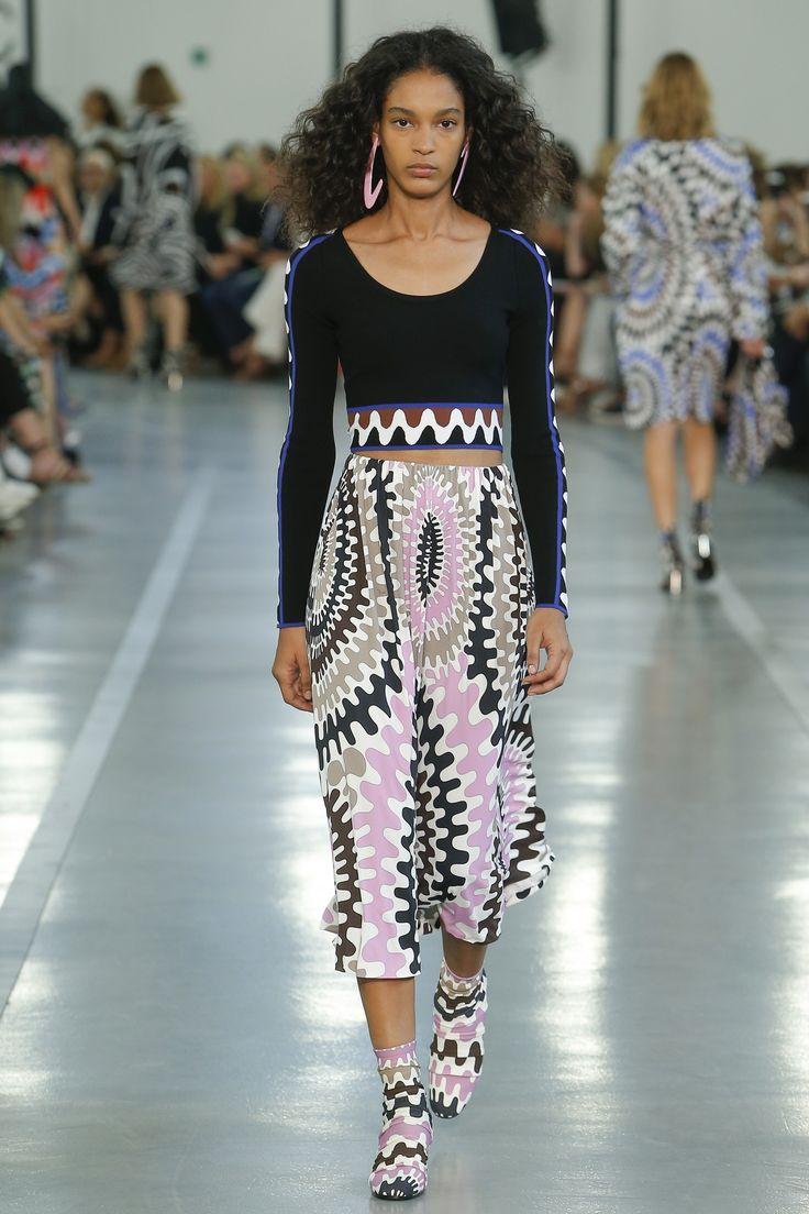Emilio Pucci Spring 2017 Ready-to-Wear Fashion Show - Luisana Gonzalez