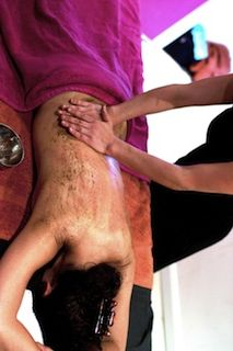Udvartana a signature treatment of Ayurveda. Using detoxifying herbs, rubbed all over the body with vigorous movements allowing subcutaneous tissues to release their toxins efficiently. The herbs are mixed first in nourishing oil that maximises the effect of micro-dermal abrasion resulting in an efficient exfoliation of the skin. ++ for cellulite and overweight. Leaves the body feeling invigorated and the mind relaxed.