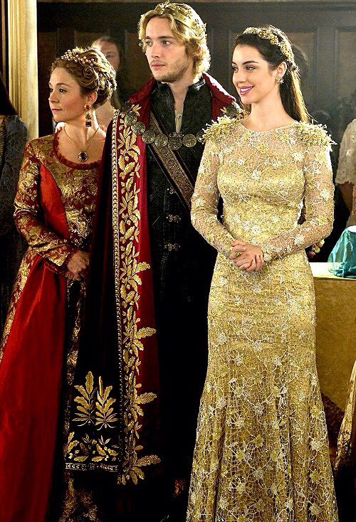 Reign Season 2 Episode 5 Blood for Blood. Jesus mother of Mary, when she stomps in wearing this dress... kapow