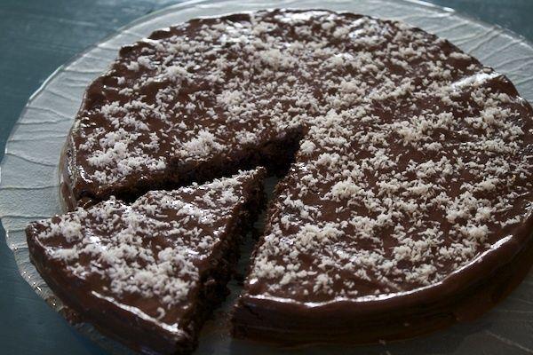 Dulciuri care nu ingrasa – 5 idei de dulciuri apetisanse, low carb, usor de facut! Tort de ciocolată Rețeta: 150..
