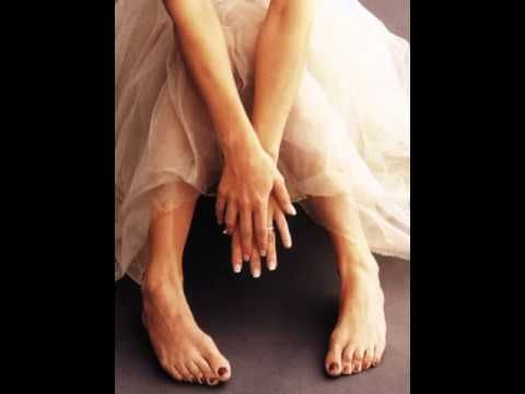 Jenny McCarthy Feet & Legs (Close-Up) - YouTube