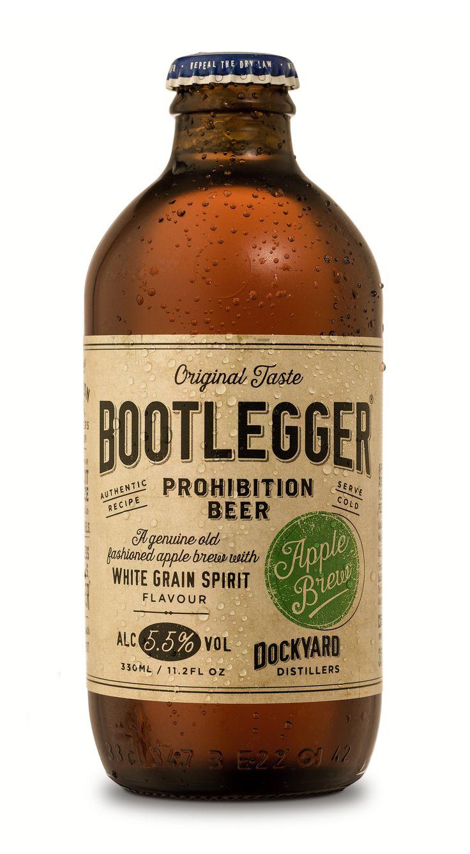 Hecha la ley , hecha la trampa . Durante la prohibicion de la cerveza , vendian una bebida hecha con manzanas , con graduacion alcoholica de 5,5 . Tenia una leyenda : sabor del grano blanco , en referencia al lupulo de la cerveza / / . . . Bootlegger Apple Brew — The Dieline - Package Design Resource