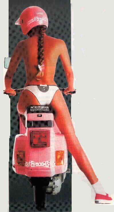 Anni 90: pubblicità della vespa PK Roberta con Michelle Hunziker