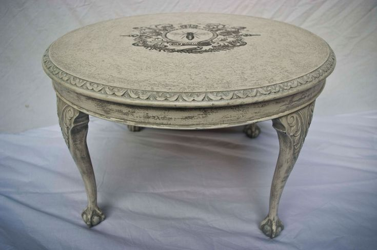 Vintage Shabby Chic Round Coffee Table No. 02 | Touch the Wood