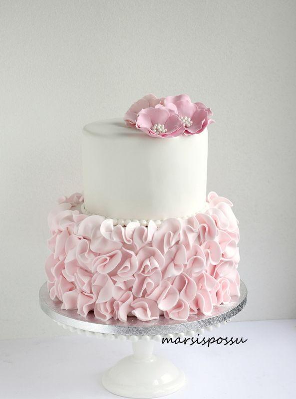 Marsispossu: Kukin koristeltu röyhelökakku, Ruffle cake