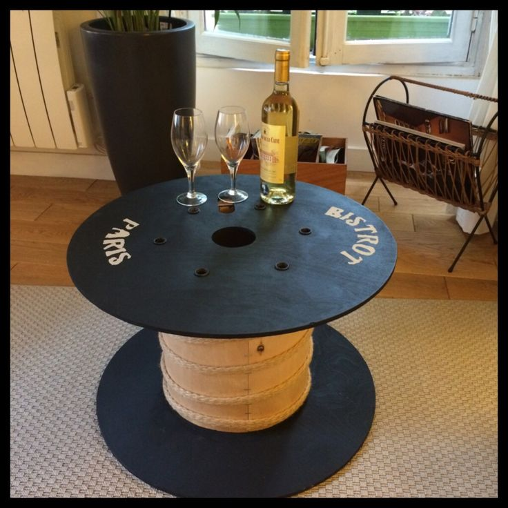 les 25 meilleures id es de la cat gorie table de tonneau de vin sur pinterest table de baril. Black Bedroom Furniture Sets. Home Design Ideas