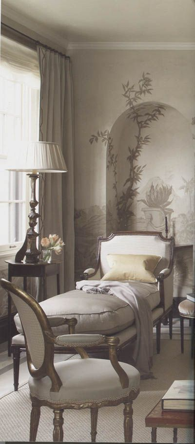 Grisaille, Louis XVI and Italian Altar Stick. Love this room & the home décor & accents.........so beautiful