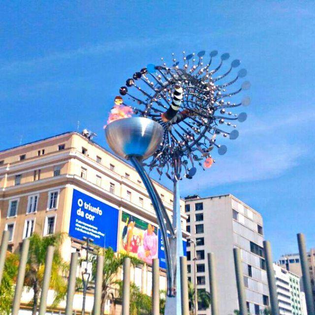 The #Olympic #flame #RioDeJaneiro #Olympic_Games #Rio2016 #Olimpiadas #Olimpiadi #Brasil #Brasile #Brazil #ErreJota #visitbrazil #chama #fuoco #olimpico #peace #Boulevard #progress #segurança na #Candelaria #holidays #turism #turismo