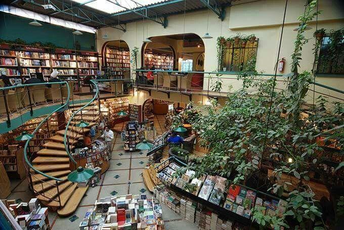 Livraria El Pendulo, Mexico