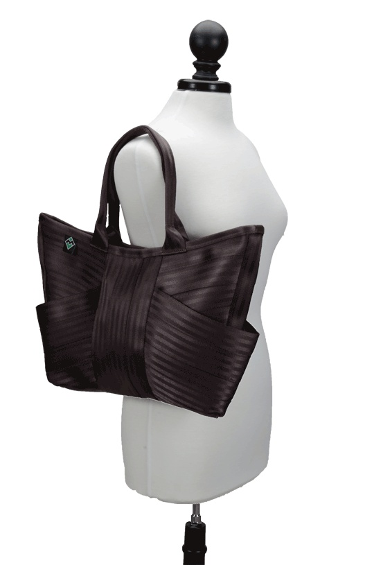 The Butterfly Bag | Maggie Bags | Made from seatbelts! #MaggieBags #handbags #purses