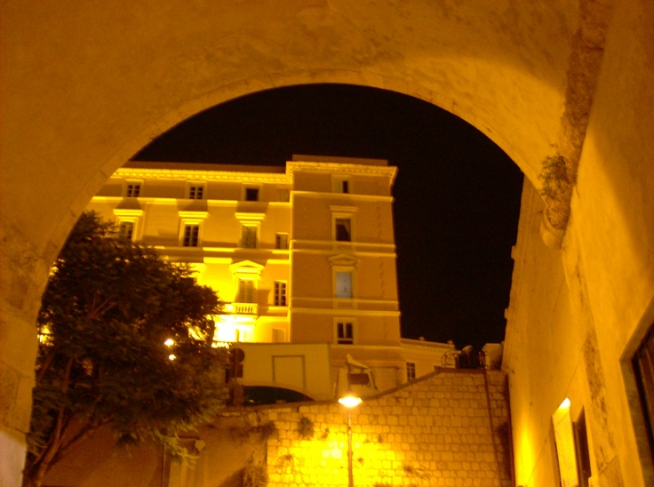 Angoli in Giallo di Cagliari stasera è ovunque Yellow.