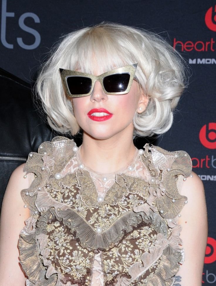 Lady Gagas short hairstyle: Hairstyles Hairbeauti, Hairstyles 2013, Hair And Beautiful, Hair Style, Gaga Shorts, Blonde Hairstyles, Shorts Hairstyles, Platinum Blondes Hairstyles, Hairstyles 2012