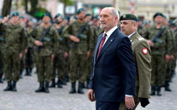 Wiesław Kukuła i Antoni Macierewicz - PAP
