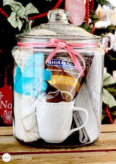 Gifts In A Jar: comfy cozies...comfy sweats, soft socks, cozy scarf, toasty warm gloves, and a snuggly hat!