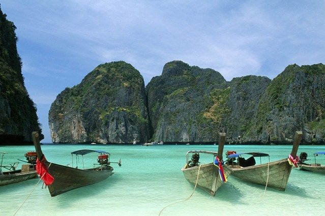 "The 10 best islands in Thailand.  ""If you want to have it all on holiday - suntanning on beautiful beaches, a bit of world-class diving, a great massage, fun beach bars, kayaking through a mangrove forest, eating seafood tom yum with the locals in a friendly fishing villages - then Koh Lanta is where you get it."""