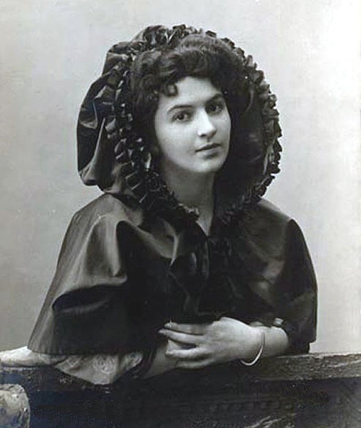 Maria Nikolayevna Kuznetsova (1880 – April 25, 1966) (Russian: Мария Николаевна Кузнецова, also spelled Maria Kuznetsova-Benois, Ukrainian: Марія Нiколаевна Кузнецова), was a famous 20th century Russian opera singer and dancer.  Prior to the Revolution, Kuznetsova was one of the most celebrated opera singers in Imperial Russia
