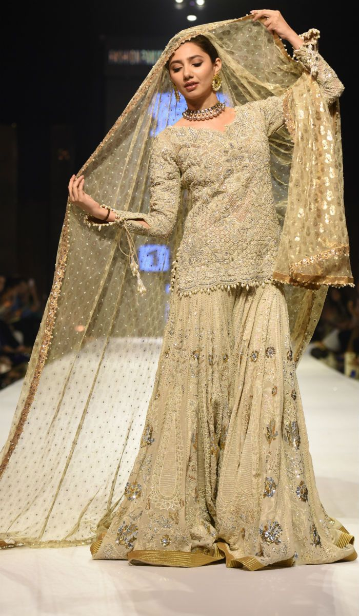 Actress Mahira Khan, who is all set to make Bollywood debut opposite Shah Rukh Khan in Raees, walked the ramp for couturier Umar Sayeed on day 3 of Fashion Pakistan Week 2015.