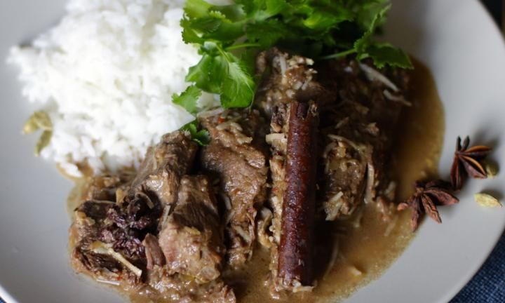 Slow cooker beef rendang - Kidspot