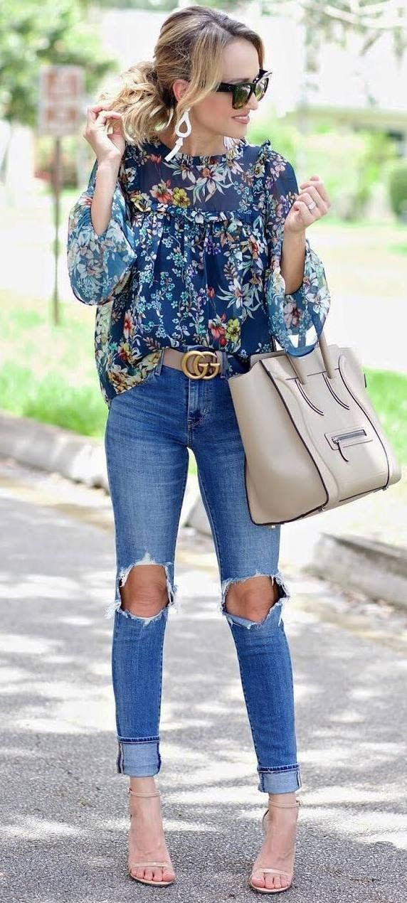 casual style addict / floral blouse + nude bag + rips + heels