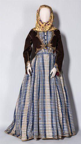 Φόρεμα Σπετσών, εποχής Βασιλίσσης Αμαλίας - Benaki.gr